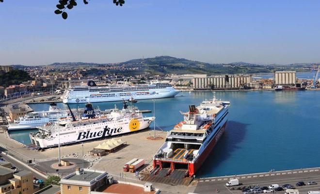 Adriatico Centrale, crescono passeggeri e tir