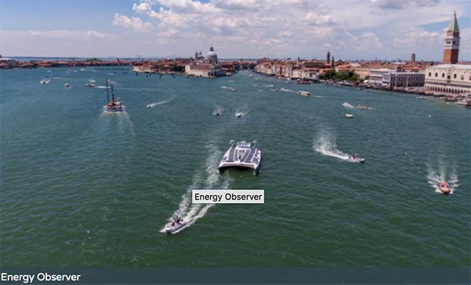 Arriva Energy Observer, la prima imbarcazione elettrica