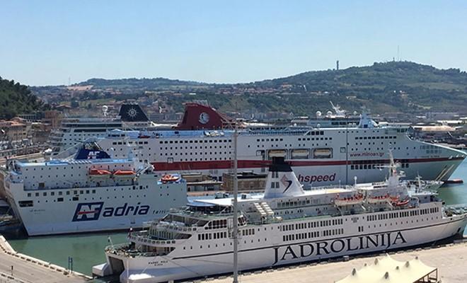 Oltre 30 mila passeggeri e tre navi da crociera
