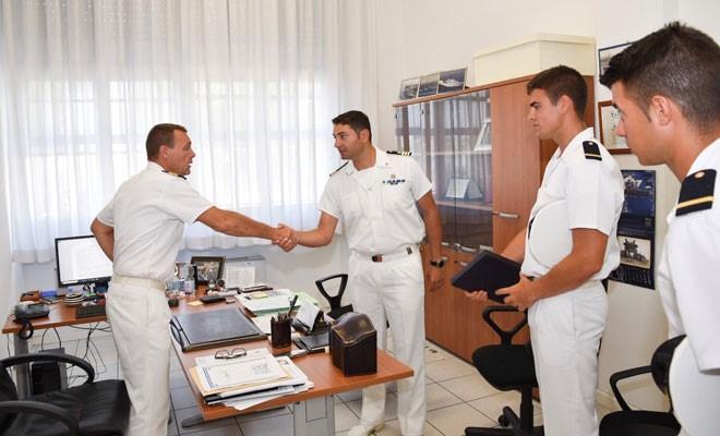 La Capitaneria saluta la nave scuola Caroly