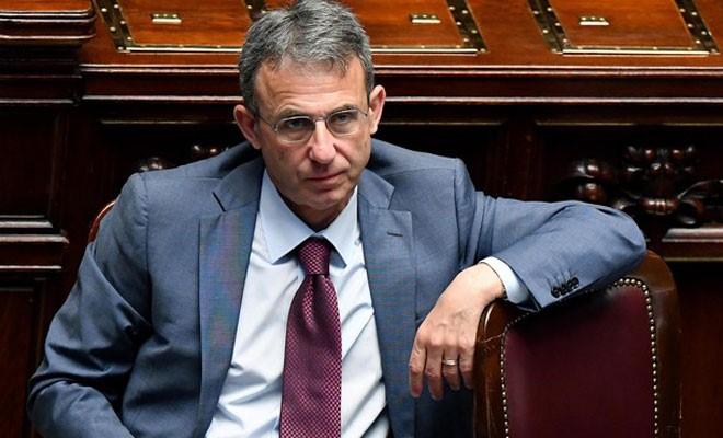"""Il ministro Costa sul gas: """"Bloccheremo i 40 permessi pendenti al Mise"""""""
