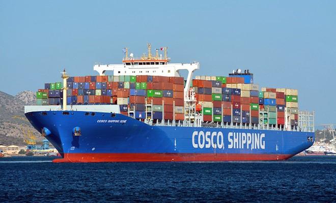Cosco minaccia di lasciare Genova e
