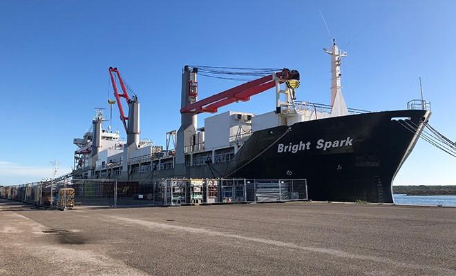 La Bright Spark, nave per saldatori offshore