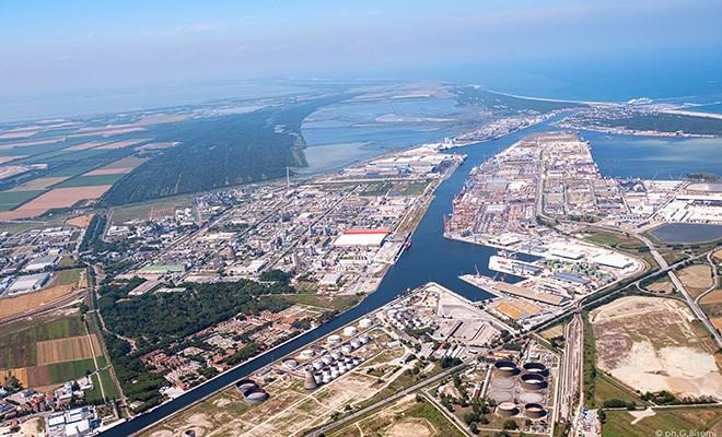 Hub portuale, soddisfazione di Cgil, Cisl e Uil per la firma del contratto