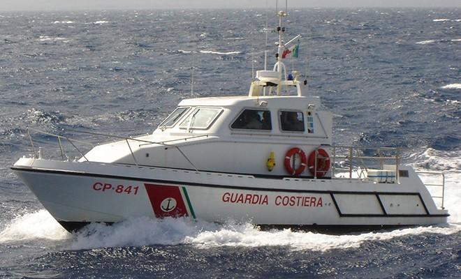 Marittimo 44enne muore per un infortunio sul lavoro su una nave in rada