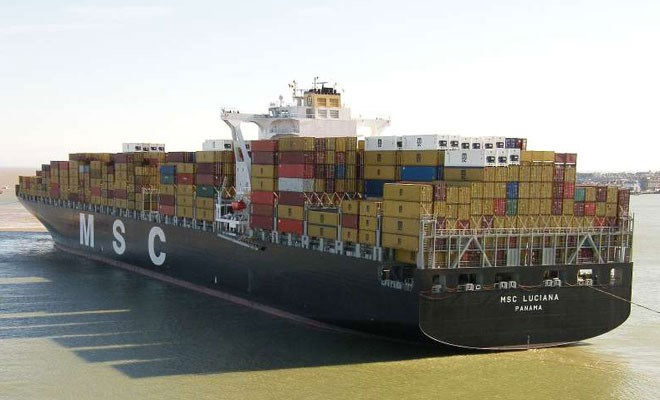 A Koper la gigantesca MSC Luciana