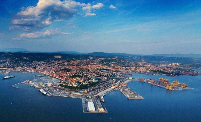 Trieste, lieve crescita delle merci movimentate