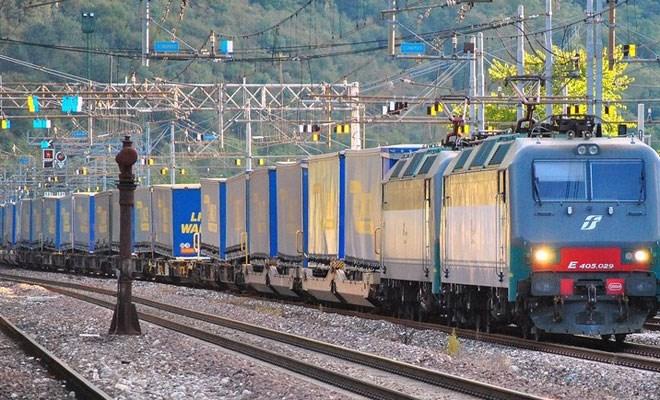 Mercitalia si fa in tre per rilanciare i treni cargo